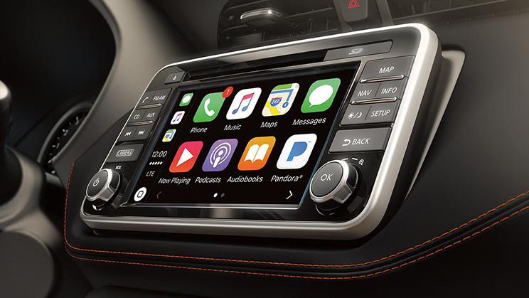 Nissan Kicks Apple CarPlay Android Auto