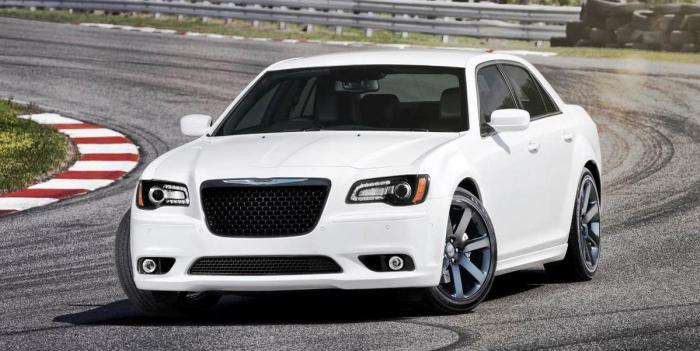REVIEWED: 2014 Chrysler 300 interior & Performance in Summit, NJ