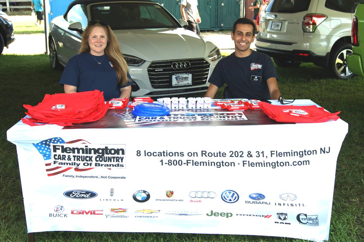 Flemington Car and Truck Country Table