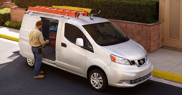 Navigate Your Everyday With Nissan Nv200 The Small Van That S On Taking Care Of Business This Compact Cargo Offers A Footprint