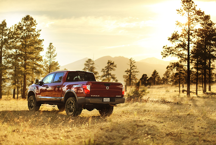 2018 Nissan Titan Offers New Midnight Edition & Suspension Lift Kit