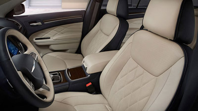 2015 Chrysler 300C offers luxurious interior