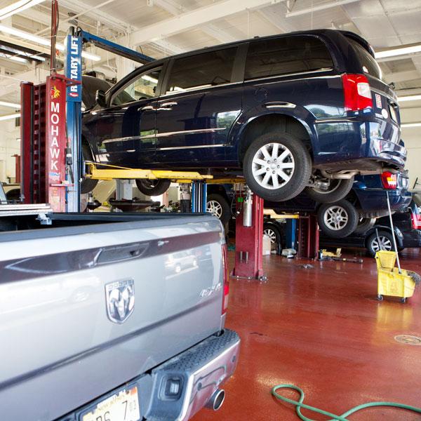 Chrysler & Dodge Service Department In