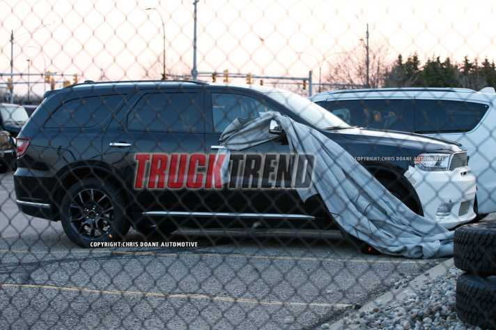 Powerful 2018 Dodge Durango Hellcat Could Be in the Making side